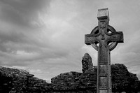 EX0526B-D02747-SBW : A celtic cross at Donegal Friary and cemetery