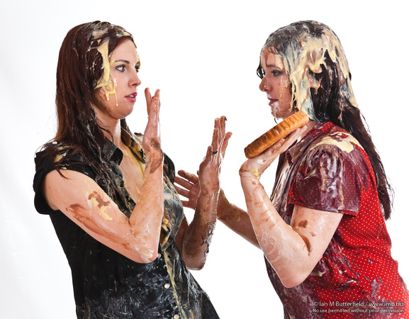 FC1029F-E13711 : Two women in a messy food fight