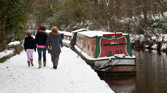 Canal boats in the snow