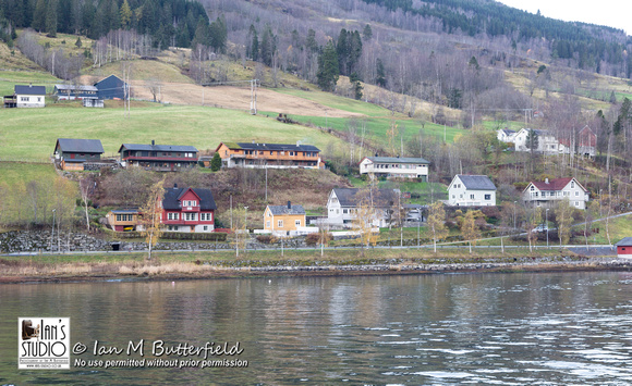 Houses on the Nordfjord, Olden
